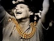 Pearl bracelet over a Jean Manzon photo, de Lili Vieira de Carvalho