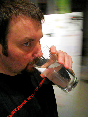 """""""Cleaning Basement, Drinking Water - Year 2 - 100/365"""", de Amarand Agasi"""