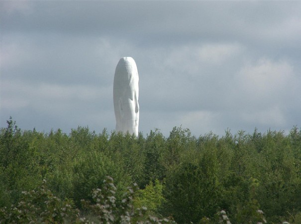 """The dream"" és obra de l'escultor català Jaume Plensa, ubicada a Sutton Manor Colliery, a St.Helens"