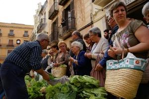Comprant i venent al Mercat Noucentista, de l'Ajuntament de Vilanova i la Geltrú, al Flickr