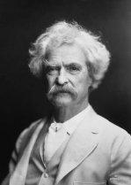 Mark Twain fotografiat per A. F. Bradley, a la Viquipèdia