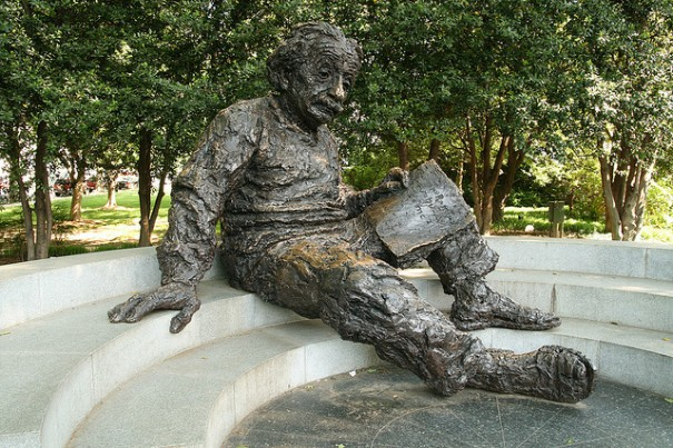 """The Albert Einstein Memorial"", de Bernt Rostad, al Flickr"