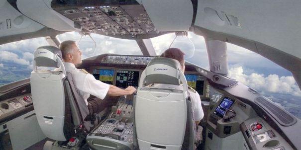 Pilotant l'avió