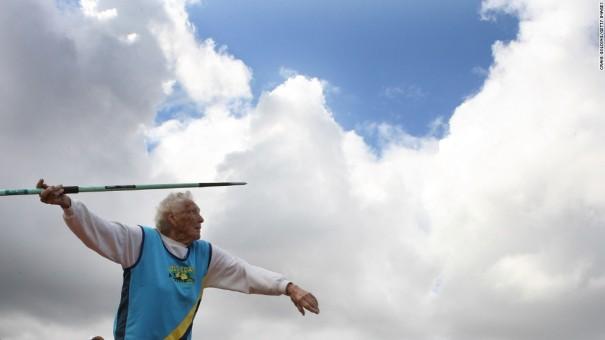 Ruth Frith, amb 102 anys, als Jocs Olímpics de Sydney 2009, foto de Craig Golding