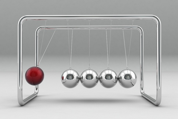 3D Newtons Cradle, de Chris Potter, al Flickr