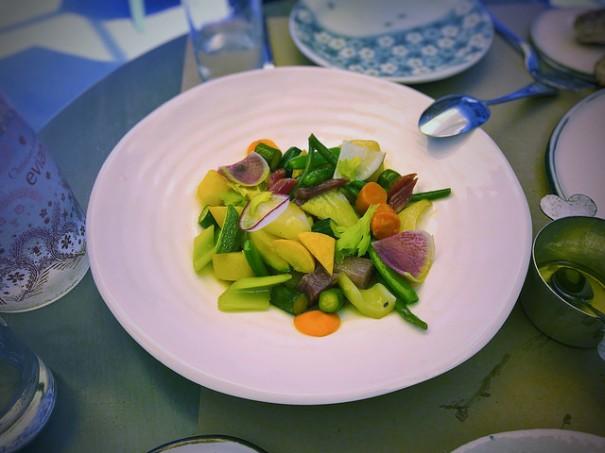 """Legumes de Saison: roasted, braised, steamed and raw seasonal vegetables"" de T.Tseng, al Flickr"