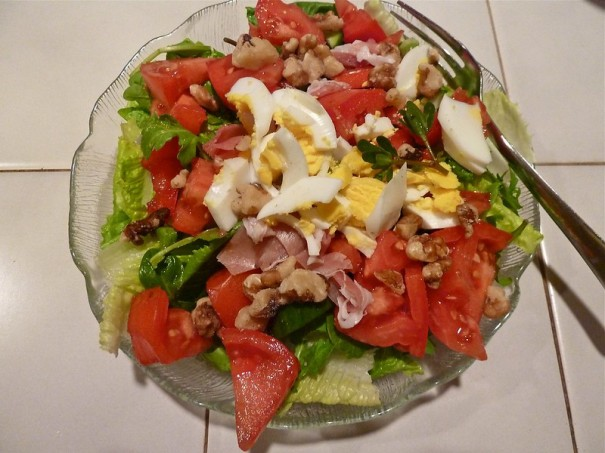 "Hearty ""low carb"" salad, de Deb Nystrom, al Flickr"